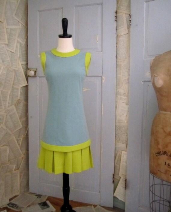 Vintage 1960s Dress, 60s Sleeveless Drop Waist Blue and Chartreuse Dress SM