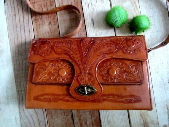 Vintage Hand Tooled Leather Purse, Tooled Leather Mexican Purse AMAZING