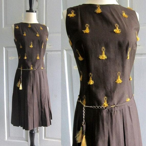 1960s Dress XS S, 60s Brown Sleeveless Tasseled Dress XS Sm