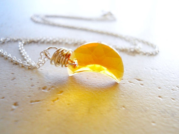 Tiny Moon Necklace, Topaz Moon Necklace, Pale Yellow Moon, Celestial Necklace, Moon Jewelry, Celestial Jewelry, Palest Yellow