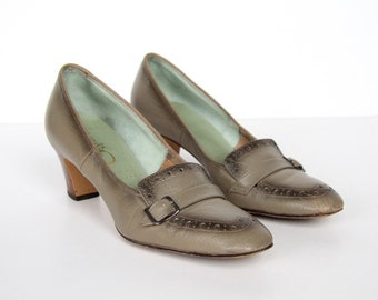 50s Brogue Style Heels - Pimento Loafers with Buckle - Wood-stacked Heel