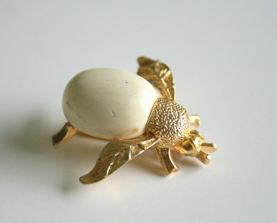 Ivory Bee Brooch - Insect Jewelry