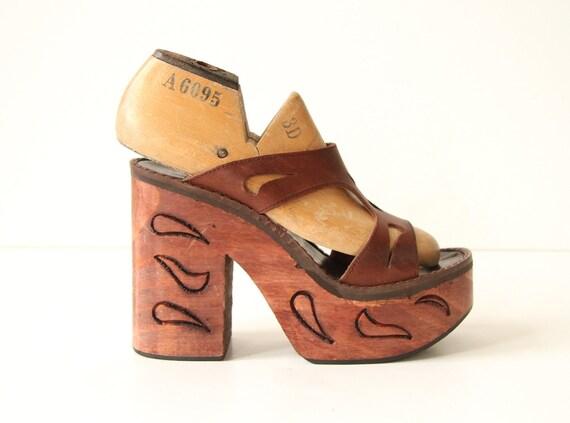 Etched Wood Platform Heel Shoe - Brown Leather Straps - Sandals