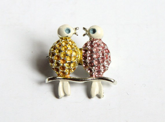 Kissing in a Tree Brooch