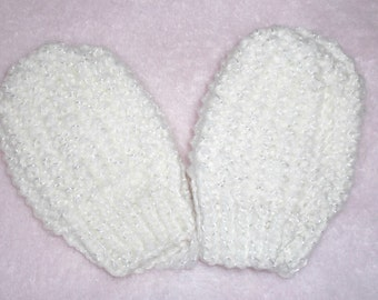 Thumbless baby mitts