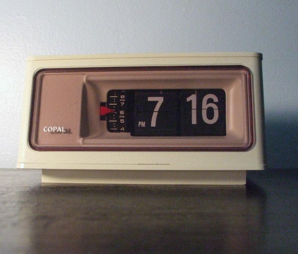 vintage copal flip alarm clock. Black Bedroom Furniture Sets. Home Design Ideas