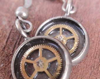 Gear Gearrings Dangle Earrings (Sounds of Steampunk) Neo Victorian