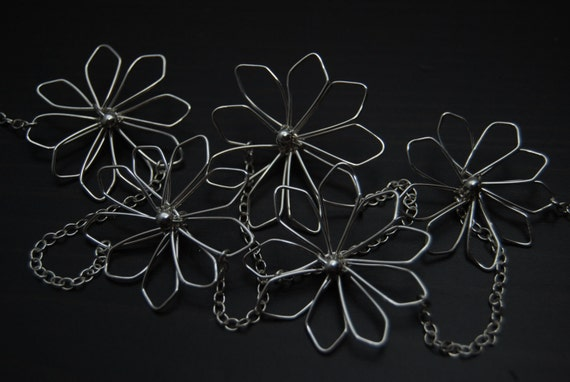 Silver Wire Flower Necklace, Wire Flower Necklace, Wire Work Flowers, Sterling Silver Necklace, Delicate Necklace, Wire Daisy