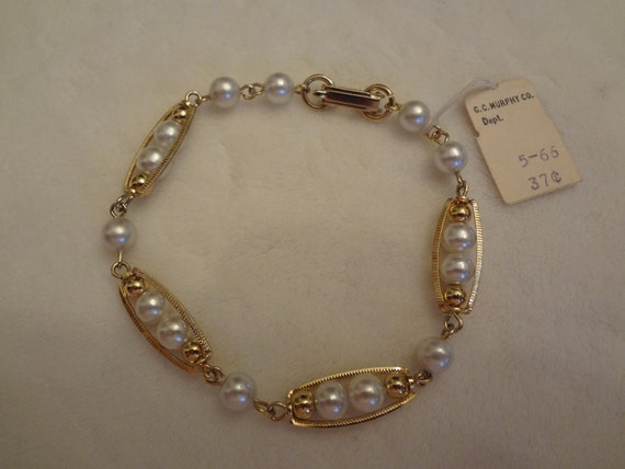 Baby- Boomer Find:  Vintage Gold and Pearl Bracelet with Original G.C. Murphy Price Tag Attached
