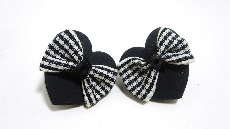 Black Heart Plaid Bow Stud Earrings by MissLizzyD on Etsy