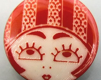 Red White Flapper Face Plastic Button 20mm