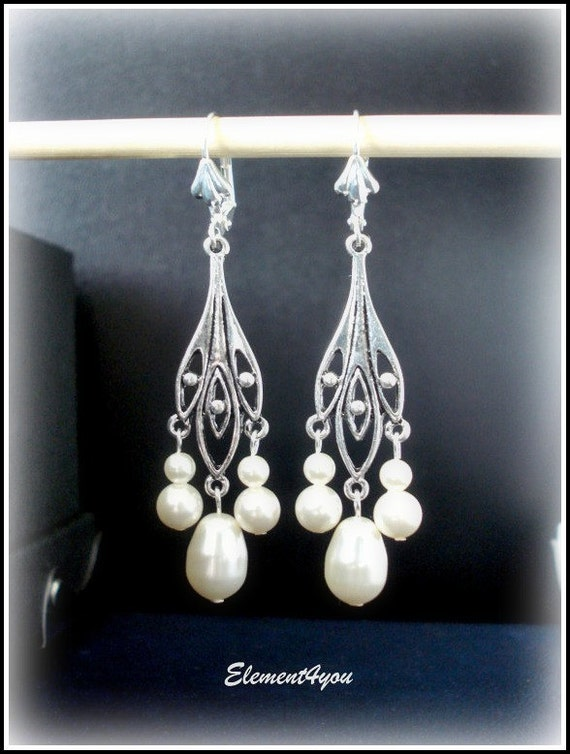 Bridal Chandelier Earrings Antique silver Bridesmaid gift Beaded Dangle Swarovski pearls White or ivory Silver Clip On Wedding jewellery