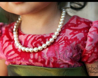 Little Girl Pearl and ribbon Necklace perfect for photo prop, birthdays or baby gift
