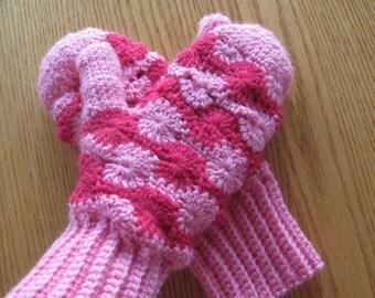 Wool Patterned Crochet Mittens....Pink