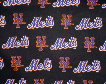 MLB New York  METS Cotton Fabric - 18 by 30 new and rare