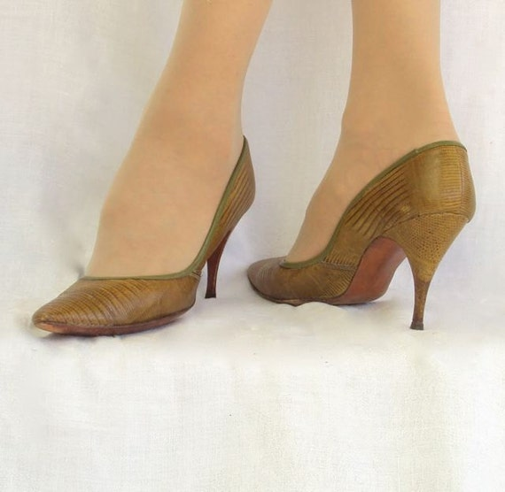 RESERVED: Stiletto Shoe Lizard Pump by Adrienne 1960s sz 7 or 7.5 M