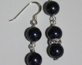 Classic Pearl Navy Earrings