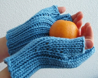 Knitting PATTERN - Childrens Fingerless Mittens