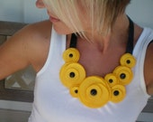 SALE/Flower Swirl Necklace (Yellow)