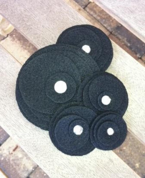 Flower Brooch...Pin...SALE...Five Flower Cluster Pin (black)