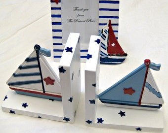 hand painted sail boat bookends and a matching photo frame in stars and stripes,patriotic,personalized,sailboat bookends,sailboat frame,boat