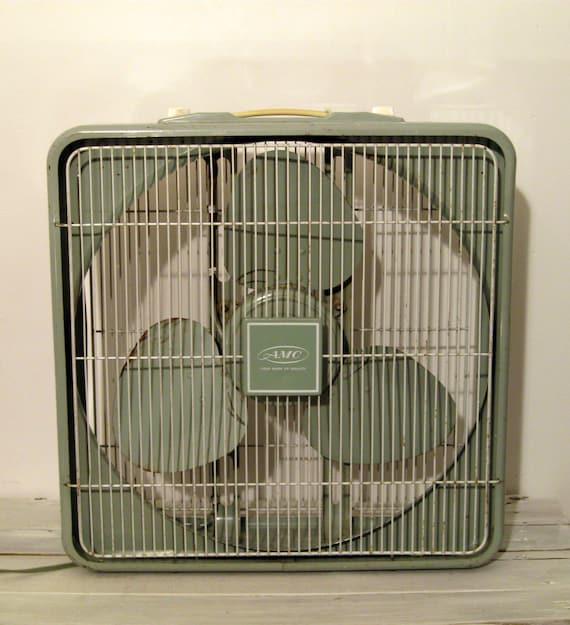 1960s Box Fan : S a m c celadon green box fan