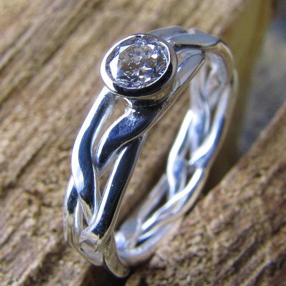 Woman's Gold Diamond Wedding Engagement Ring