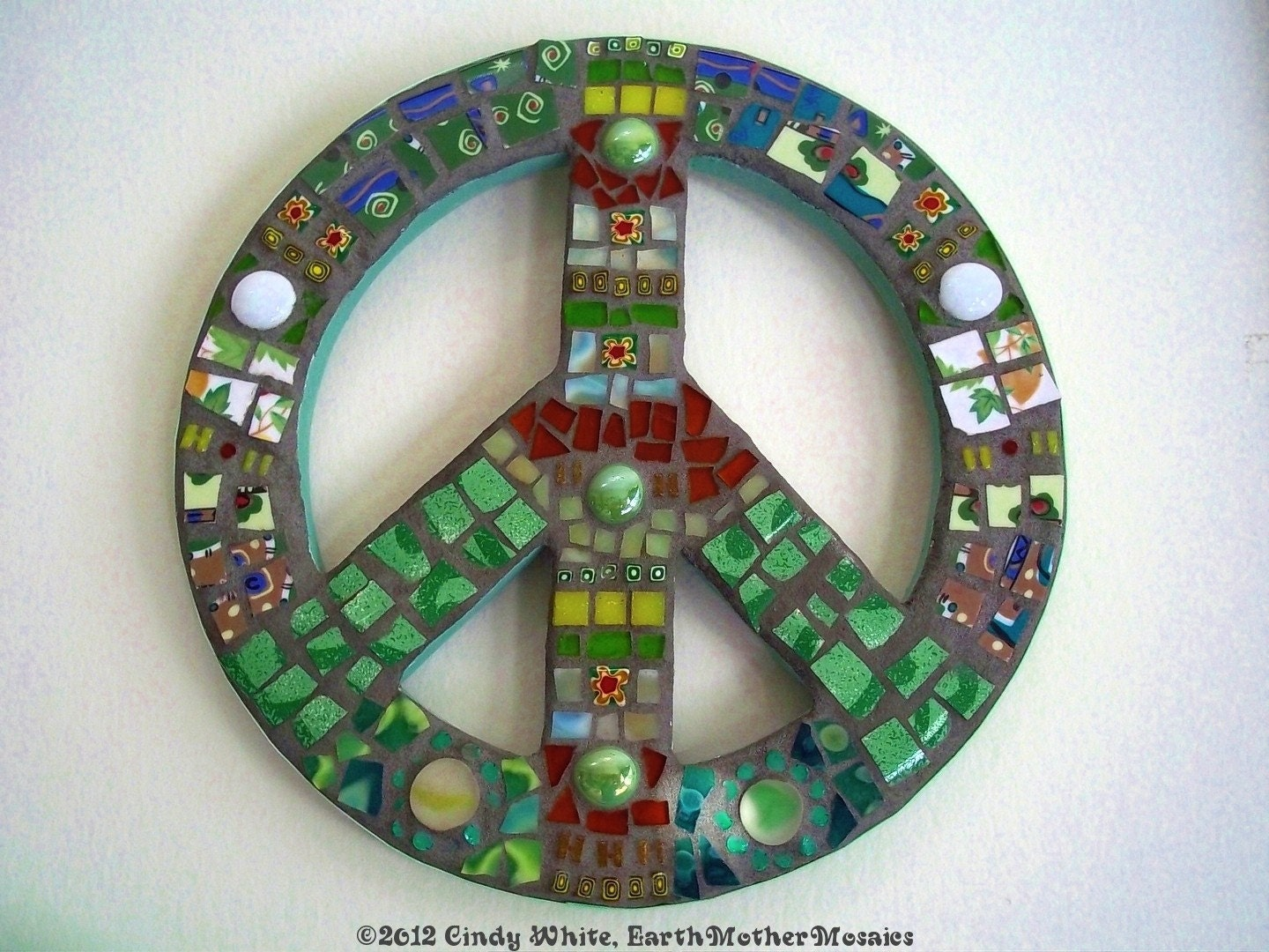 Peace Sign Mosaic Hippie Vintage Retro Pique Assiette