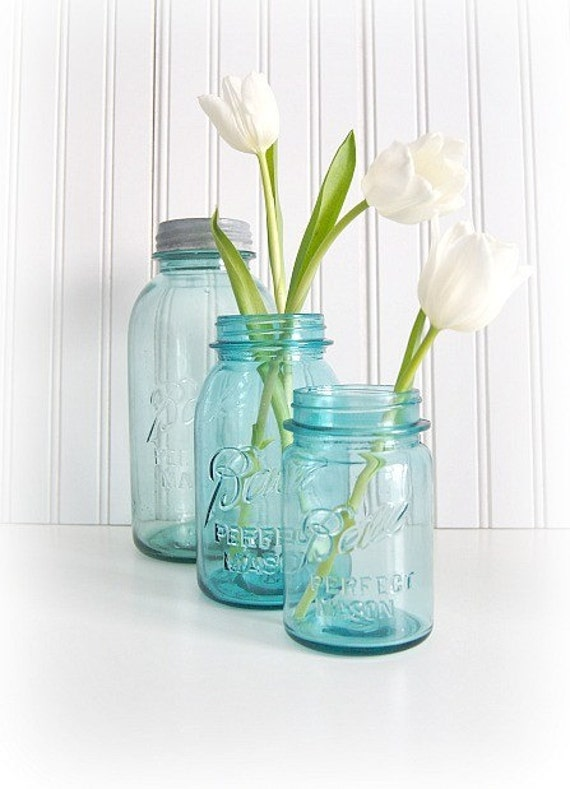 3 blue ball vintage mason jars. Black Bedroom Furniture Sets. Home Design Ideas