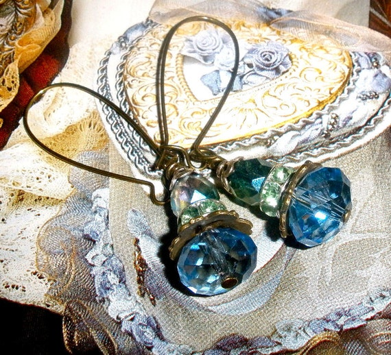 Gorgeous blue earrings - FREE SHIPPING Blue Sparkle Swarovski and Czech crystal
