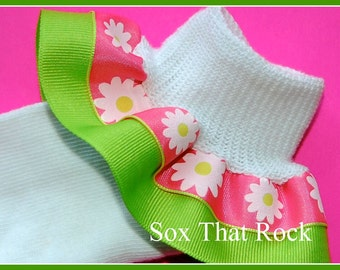 Happy Daisy Flower girls double ruffle socks customized with your choice of bottom ribbon color. Made to match your favorite outfit.