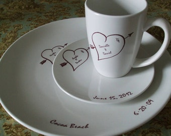 Holiday Gift, Christmas GIft, Hearts Bridal China, Dishes, Wedding Couple personalized Place setting,anniversary gift, hearts, (3 Pieces)