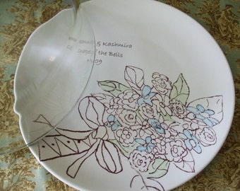 Wedding Gift for Couple, Personalized Gift, Personalized Wedding Gift, pottery china Serving Wedding Bouquet  Cake Plate flowers glass dome
