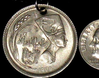Egyptian Egypt Queen Nefertiti Coin Pendant Charm Necklace