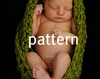 Baby Bowl CROCHETING PATTERN, Infant Chunky Pod Bowl, Newborn Photography Prop, Instant Download