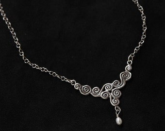 Spring Air Necklace Sterling Silver with Fresh Water Pearl