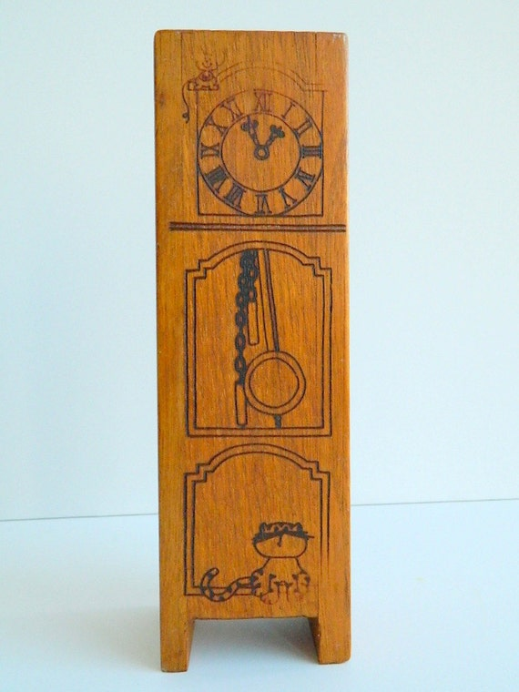 Hickory Dickory Dock Wood Grandfather Clock Bank