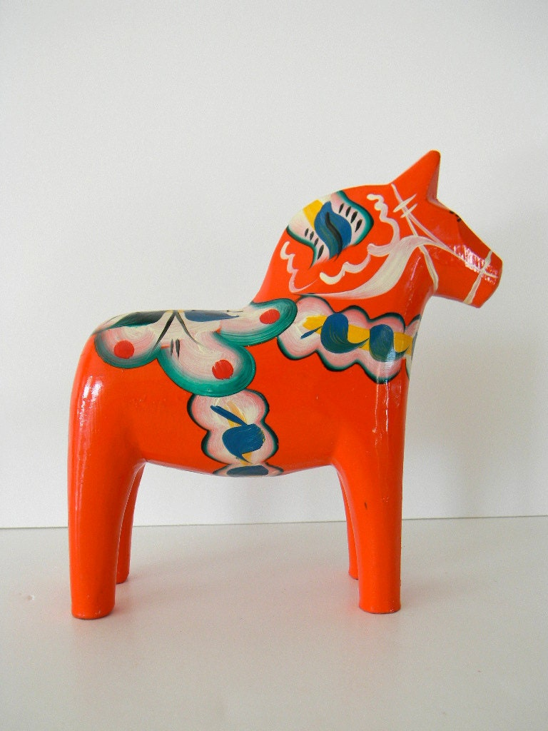 Create a stunning interior with our beautiful hand-crafted Dala wooden horses, a best seller in Sweden, we are now bringing these stylish objects to the UK.