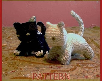 Playful cats, kittens - INSTANT DOWNLOAD Knitting pattern