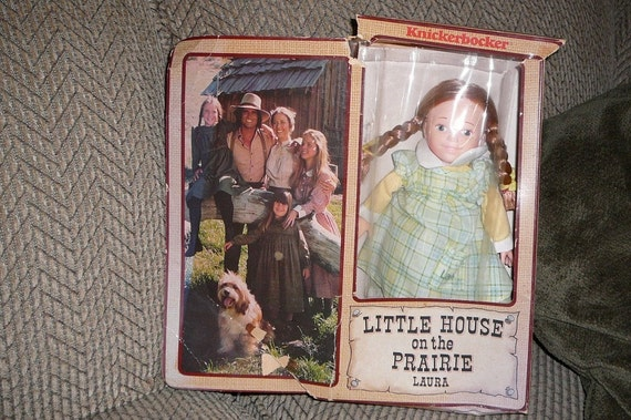 1978 LITTLE HOUSE ON THE PRAIRIE LAURA and CARRIE DOLLS