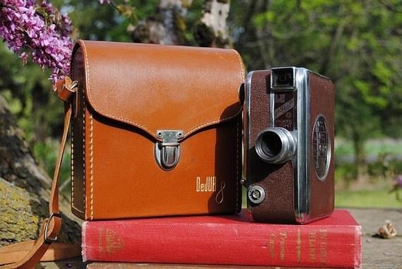 1949 DeJur Embassy Magazine Eight 8 mm Movie Camera