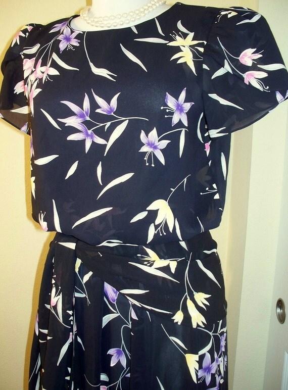 VINTAGE BLACK FLORAL DISCO DRESS////dress is reserved///