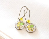 Botanical Earrings. Green and Yellow Flower Earrings, Plant Earrings. Glass Dome and Antique Brass.