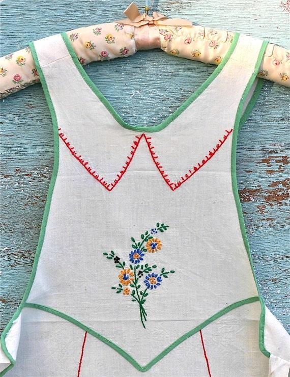 Vintage Embroidered Full Apron Flower Basket