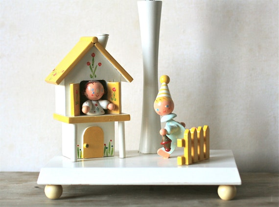 Vintage Irmi Wooden Nursery Lamp/Night Light White Yellow