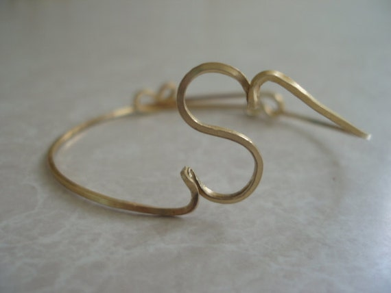 Initial Wire Cuff Bracelet Letter S