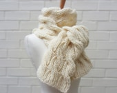 Chunky Knit Scarf in Natural Cream Wool - Haze