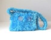 Turquoise Overdose Hand-knit Shoulder Bag