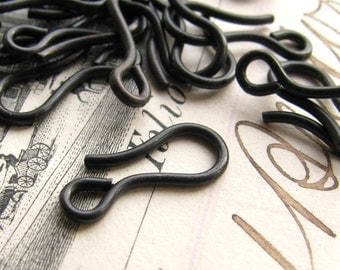 14mm hook clasp, dark antiqued brass (10 hooks) aged black patina, lead nickel free