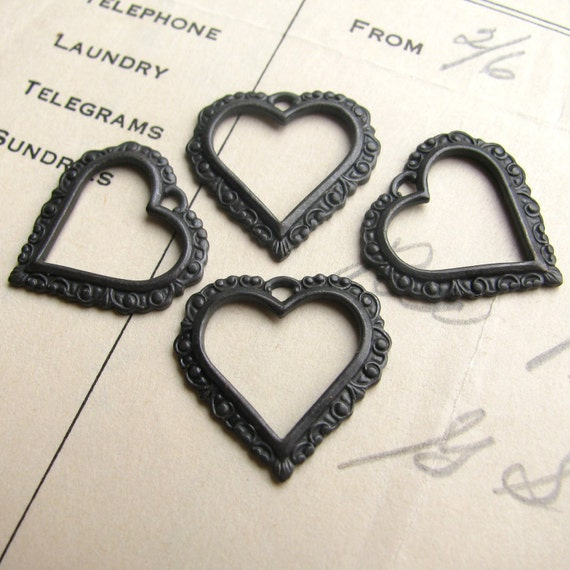 Lace edge open frame heart charm, dark antiqued brass (4 charms) aged black patina, Victorian Mourning